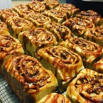 CARAMELAPPLE CINNAMON ROLLS Perfect for a rainy afternoon w anhellip