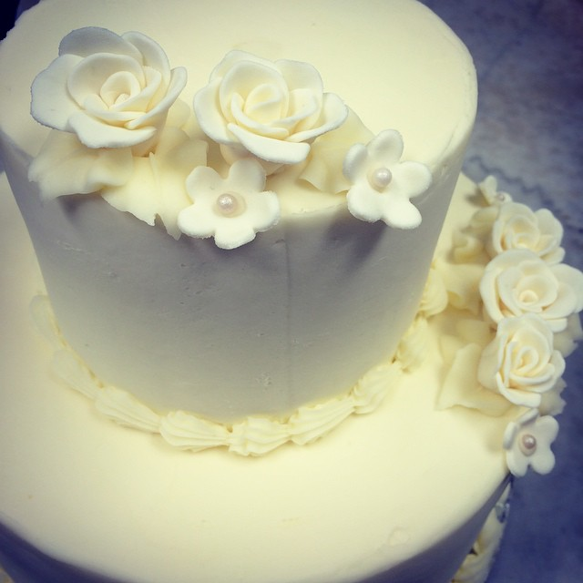 More wedding reminiscing.... Makes us teary!  Only one solution:: #eatcake  #cydscakesrock