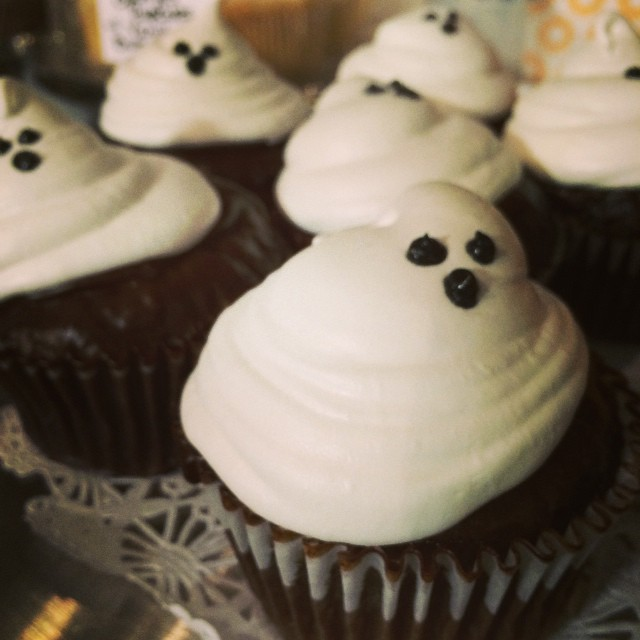 S'MORES GHOST CUPCAKES:: *Available ALL WEEK in the Take Away Market